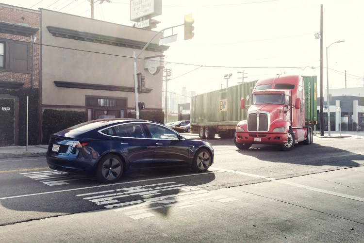 Tesla Model 3, Los Angeles Photo: James Lipman
