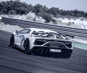Lamborghini_Aventador_SVJ_Car_Mag_076