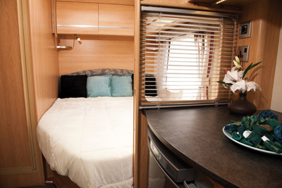 Coachman Pastiche fixed bed
