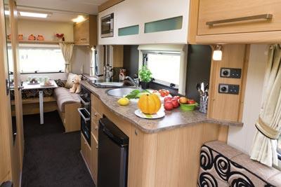 Elddis Avante 515 Caravan Kitchen