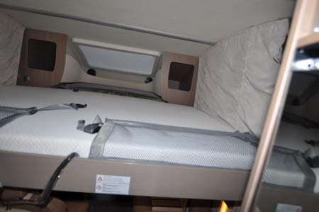 Bürstner Ixeo Plus it724 motorhome sleeping area