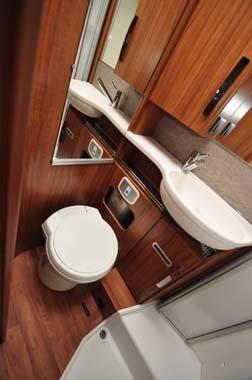 Hymer B588 Premium Line Washroom