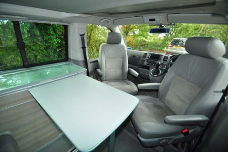 VW California SE Dining