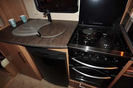 Lunar Lexon 590 Kitchen