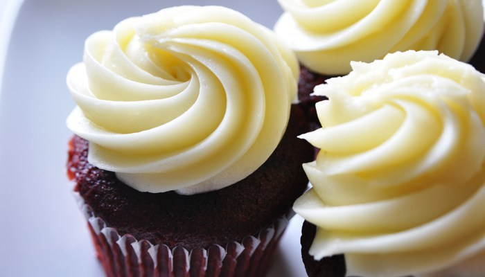 Paleo Gluten-Free, Sugar-Free Red Velvet Cupcakes With Sugar-Free Cream Cheese Frosting