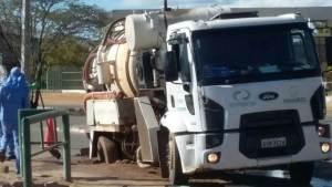 caminhãocompesa atolado