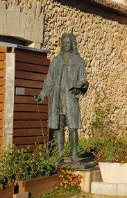 Estatua de Juan de Goyeneche