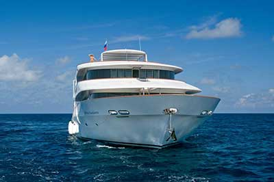 Liveaboard scuba diving Carpe Vita