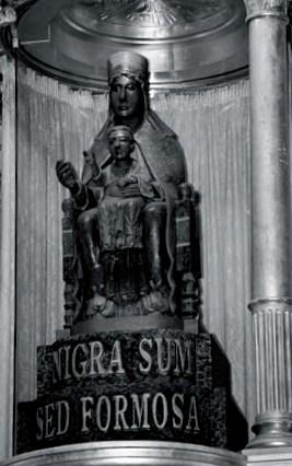 Madonna nera del Santuario di Tindari: Patti: Messina: Sicilia: Italia: Europa