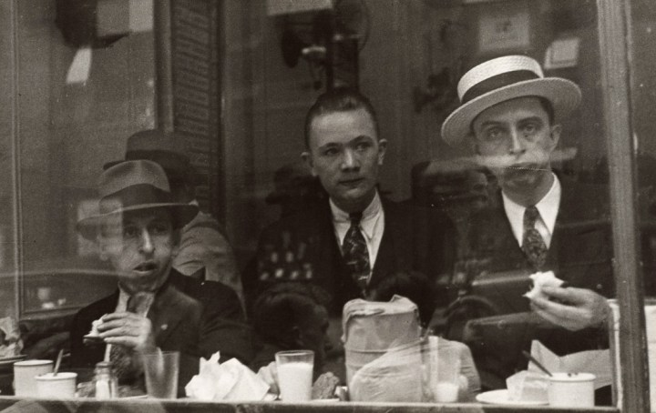 walker-evans-city-lunch-counter-new-york-1929