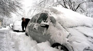Snowstorm, snow, winter, snow covered car, snow-covered, snow on car, blizzard, snowy car