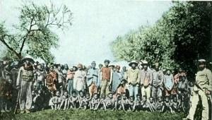 Bundesarchiv_Bild_146-2003-0005,_Deutsch-Südwest-Afrika,_Kriegsgefangene_Herero