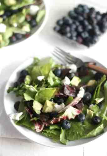 Spring Mix Salad with a Grapefruit Poppy Seed Vinaigrette #BlueberryToss #FWCon