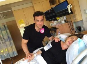 Robbie Williams documenta il parto della moglie su Youtube