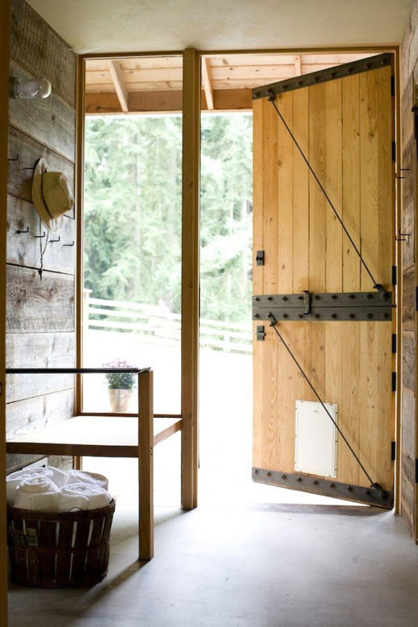 casa haus | barn door