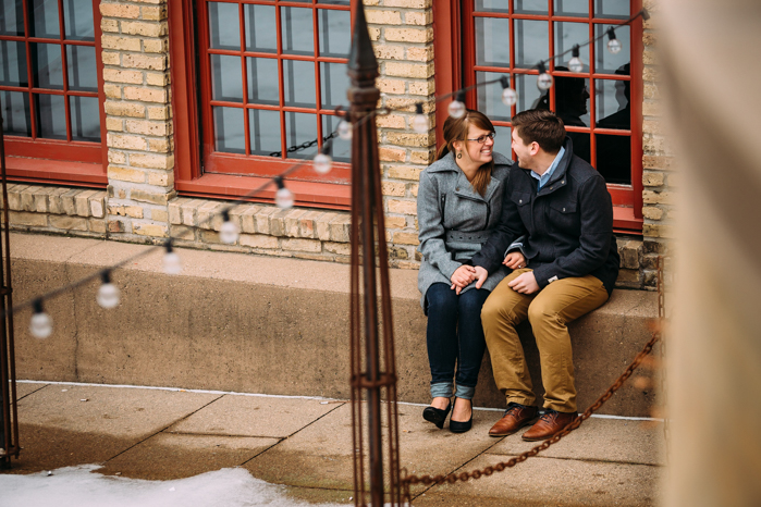 Downtown Engagement session_Milwaukee Wedding Photographers