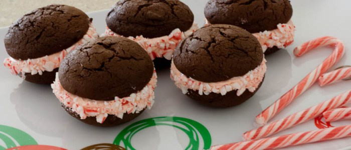 Christmas Candy Cane Whoopie Pies – Daring Bakers Challenge
