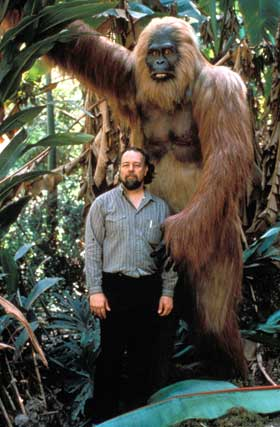 Bill Munn &amp; his Gigantopithecus model