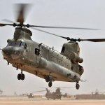 Piloto do Chinook 'Bravo November' da RAF recebe a Distinguished Flying Cross