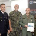 Piloto da Força Aérea Tcheca atinge 1.000 horas de voo em caças Gripen