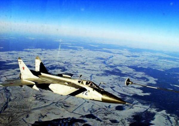 MiG-31 (Imagem: dailyairforce.com)