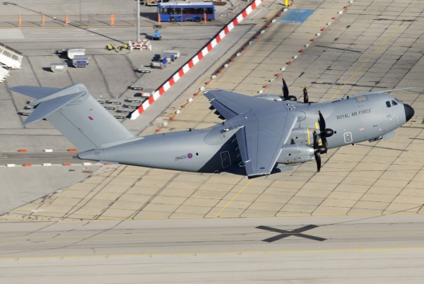 ZM400-Royal-Air-Force-Airbus-A400M (1)