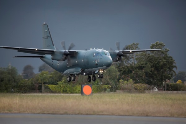 Pouso do primeiro C-27J Spartan da RAAF, na Base Aérea de Richmond. (Foto: MoD Australia)