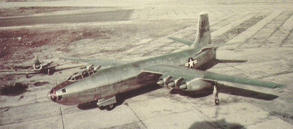 Nome da aeronave em primeiro plano?