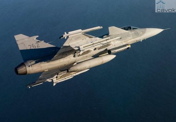 Um caça JAS39 Gripen C equipado com mísseis Meteor da MBDA. (Foto: Stephen Kalm / Swedish Air Force)