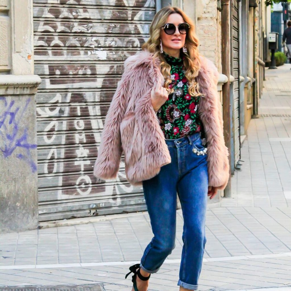 FUR COAT AND VELVET SANDALS