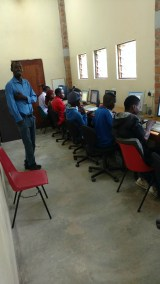 Training students to use computers