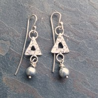 Triangle cut-out Earrings with Pearls - 42mm long