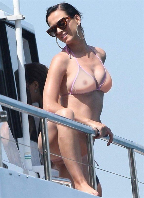 photos katy perry showing off her nipples and fat pussy