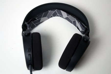 Steelseries Arctis 3 (Headset) Review 4