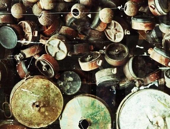 Cambodian landmine museum mines up close (575x438)