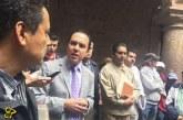#Morelia Funcionario Del Ayuntamiento Le Preocupa Más Salir En Foto Que Trabajar: Ezequiel López