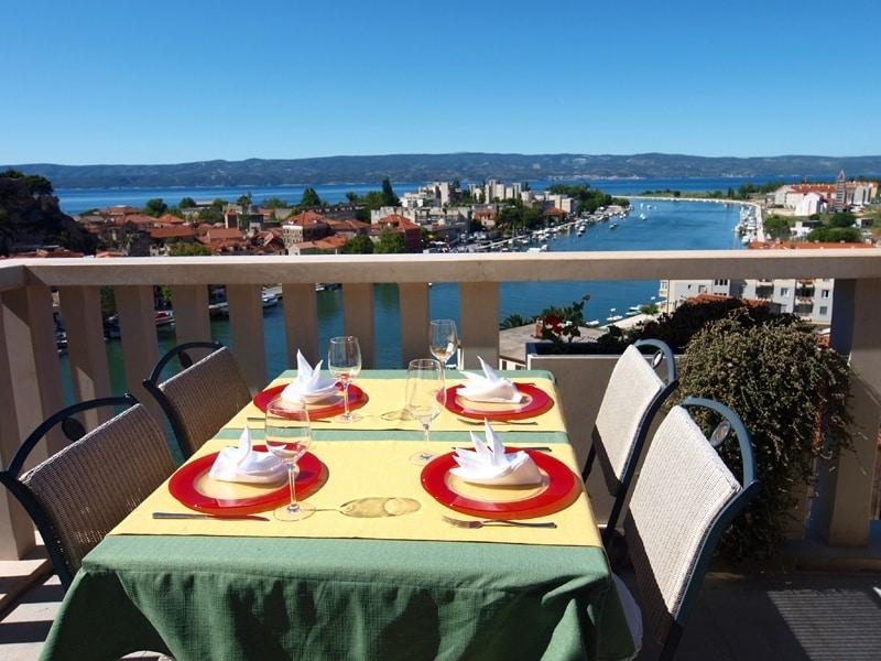 Hotel-Villa-Dvor-Restaurant-view  - Chasing the Donkey Croatia