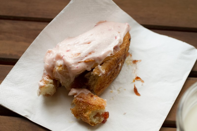strawberry sticky buns with strawberry cream cheese frosting // chattavore