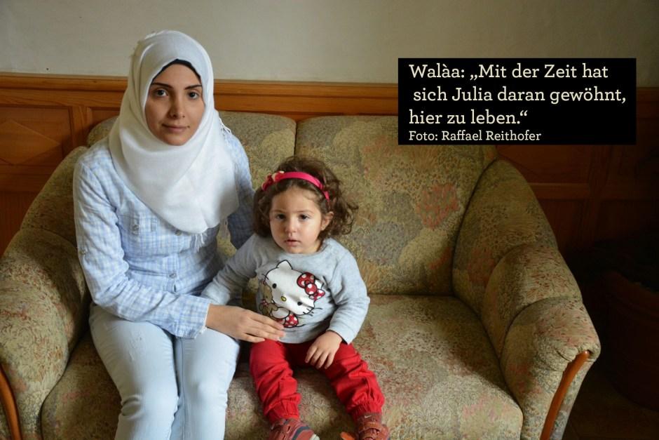 Walaa mit ihrer Tochter