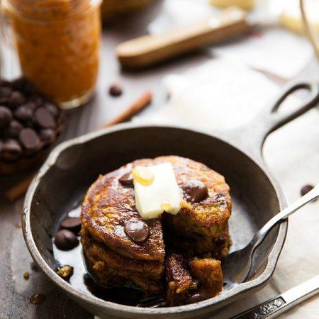 {Healthy + Flourless} Pumpkin Pancakes