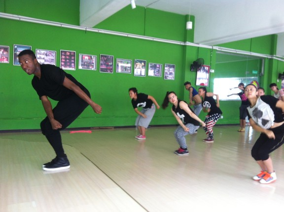 Gerran X gives a group of girls an LA dance lesson