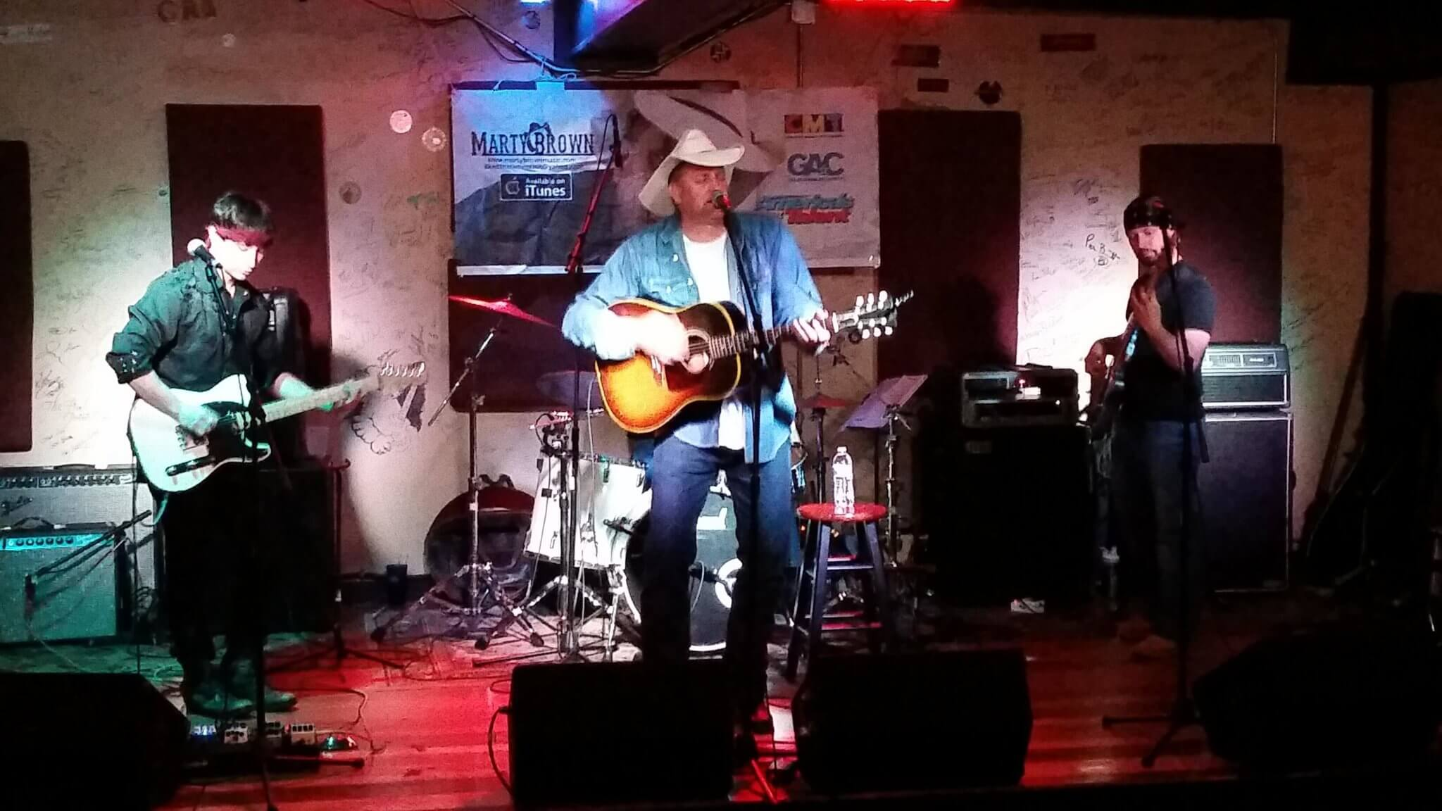marty brown rocks a packed house october 4 2014 live review