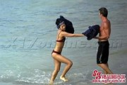 zhang-ziyi-nude-naked-beach-boyfriend-aviv-vivi-nevo-12