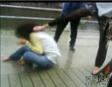 guangdong-girls-teen-beating-kicking-02