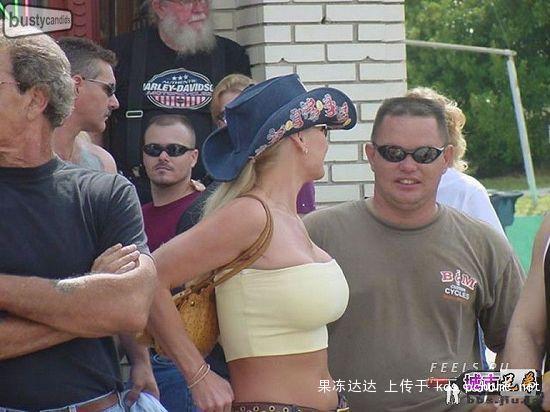 busty-russian-women-08