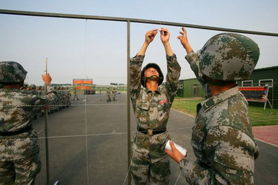 chinese-army-trianing-for-national-day-parade-60th-anniversary-08