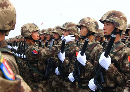 chinese-army-trianing-for-national-day-parade-60th-anniversary-17