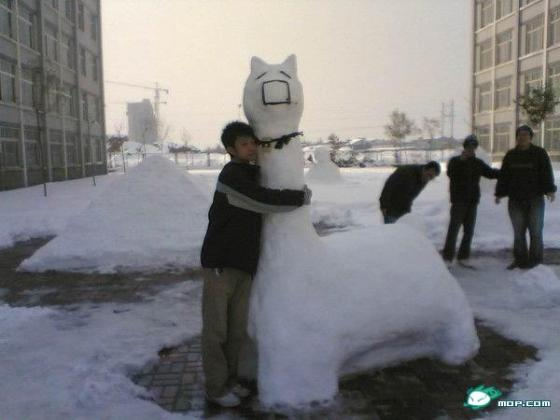 china-snow-sculptures-04-cao-ni-ma