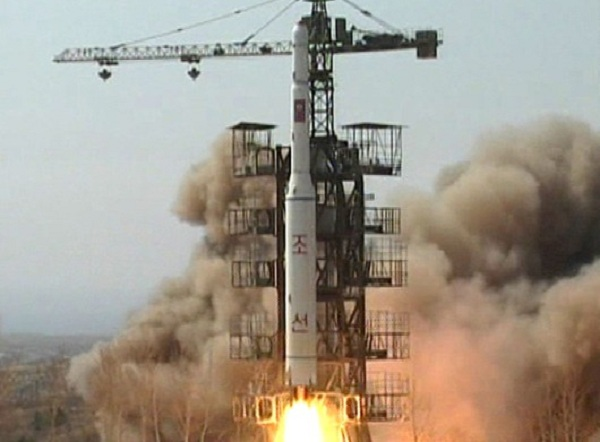 North Korea's Unha-3 rocket & satellite splintered into pieces & fell into the Pacific Ocean shortly after launch, leaving some netizens bemused & others sorrowful.