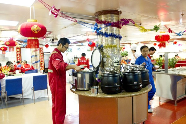Pictures of work & living conditions aboard China's first independently designed and built oil rig in the South China Sea spark netizen envy.
